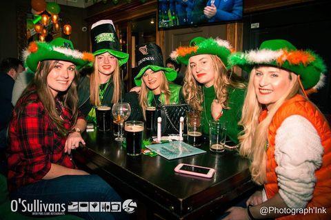🍀 HAPPY ST PATRICK'S DAY 🍀  💻LIVESTREAM à 19h sur notre page Facebook #concoursinstagram   Tirage au sort en live du grand gagnant du concours #goodluck   Toute la journée O'Sullivans Pigalle & Pub St Germain vente à emporter #guiness#biere et vente de ton kit St Patrick pour faire la fête ce soir chez toi 🍀🌈  #stpatricksday#stpatricks#green#irlande#irishpub#paris#bar#biere#guiness#goodluck#restaurant#parischampselysees#osullivansfranklindroosevelt#pub#irishcoffee#wiskyirlandais#danseirlandaise