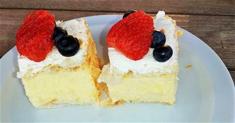 Unser heutiges Dessert😍frische Cremeschnitten... #dessert#food#millefeuille#feinesessen #ferien#frisch#natürlich#leckeressen #centromagliaso