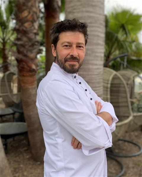 Meet out new Head Chef @dimitrios_chartavelas  For his full bio check out our website 👇  #villadjunah #headchef #bigopening #cotedazur #cotedazurfrance #openingsoon