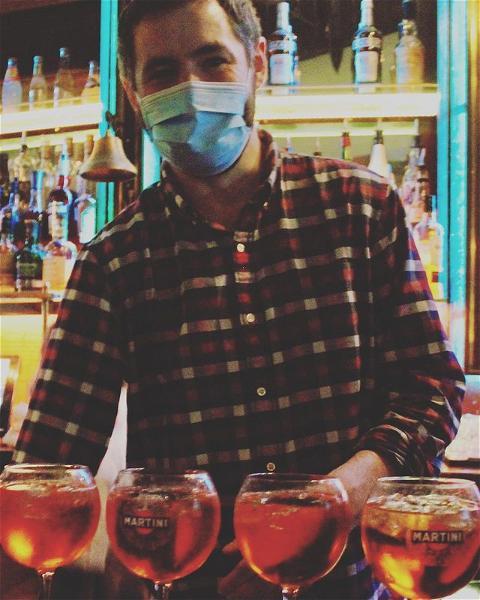 FLASHBACK FRIDAY ⚡️  - -  Flashback to Aperol spritz and afterworks! Theo hopes to see you all again soon! 🧔🏻 - -  #osgb #osullivans #irishbar #bartender #irishpub #aperolspritz #cocktail #flashback #flashbackfriday #paris #grandsboulevards #weekend