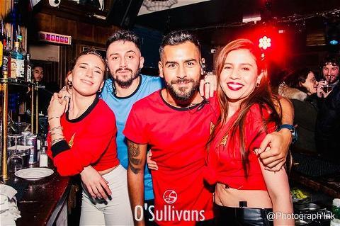 #tbt  TO #thirstythursdays  - -  Difficile de croire qu'il y a un an que toute cette folie est arrivée ! 🤯 Nous comptons les jours où nous pourrons vous revoir et nous amuser dans les fêtes de @osullivans_gb ! 🥳 Restez forts ! 💪 - -  Quel est votre souvenir préféré d'O'Sullivans, dites nous en commentaires ou envoyez nous une photo à partager sur notre story ! ⬇️ - -  #osgb #osullivans #grandsboulevards #paris  #irishpub #irishbar ar #party #fete #throwback #memories #oneyearago #staythristyfriends  🙏 Merci à Lievin photograph !